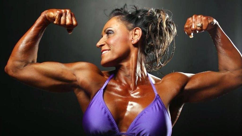 Bodybuilder Doesn't Let Type 1 Diabetes Weigh Her Down