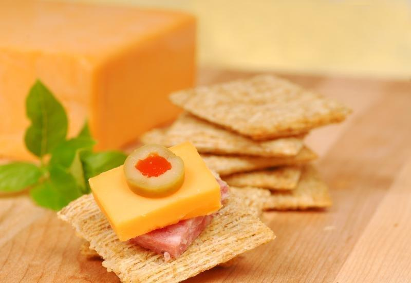 Does A Cheese Snack Stabilize Your Blood Sugar & Increase Your Metabolism?