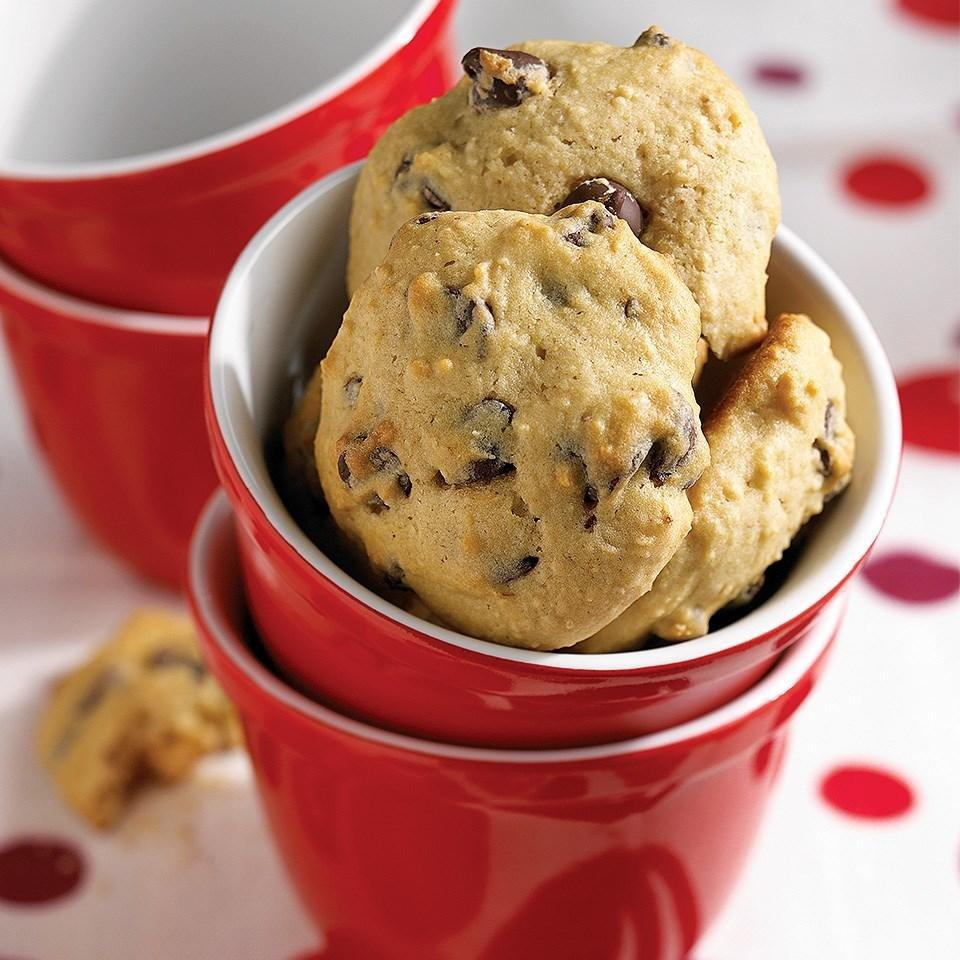 Soft Chocolate Chip Cookies Recipe - Eatingwell