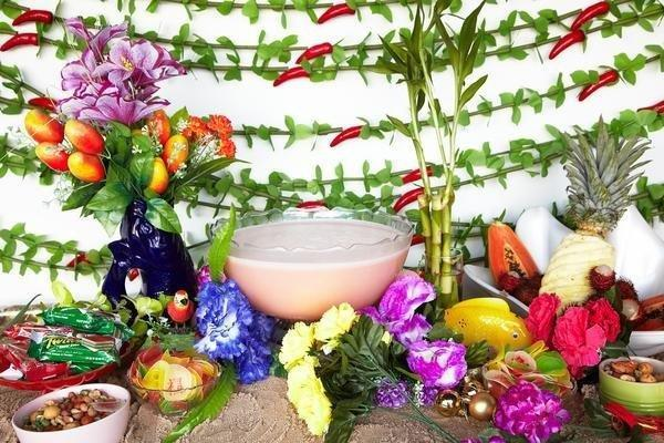 How To Make The Ultimate Party Tablescape With Stuff From A 99 Cent Store
