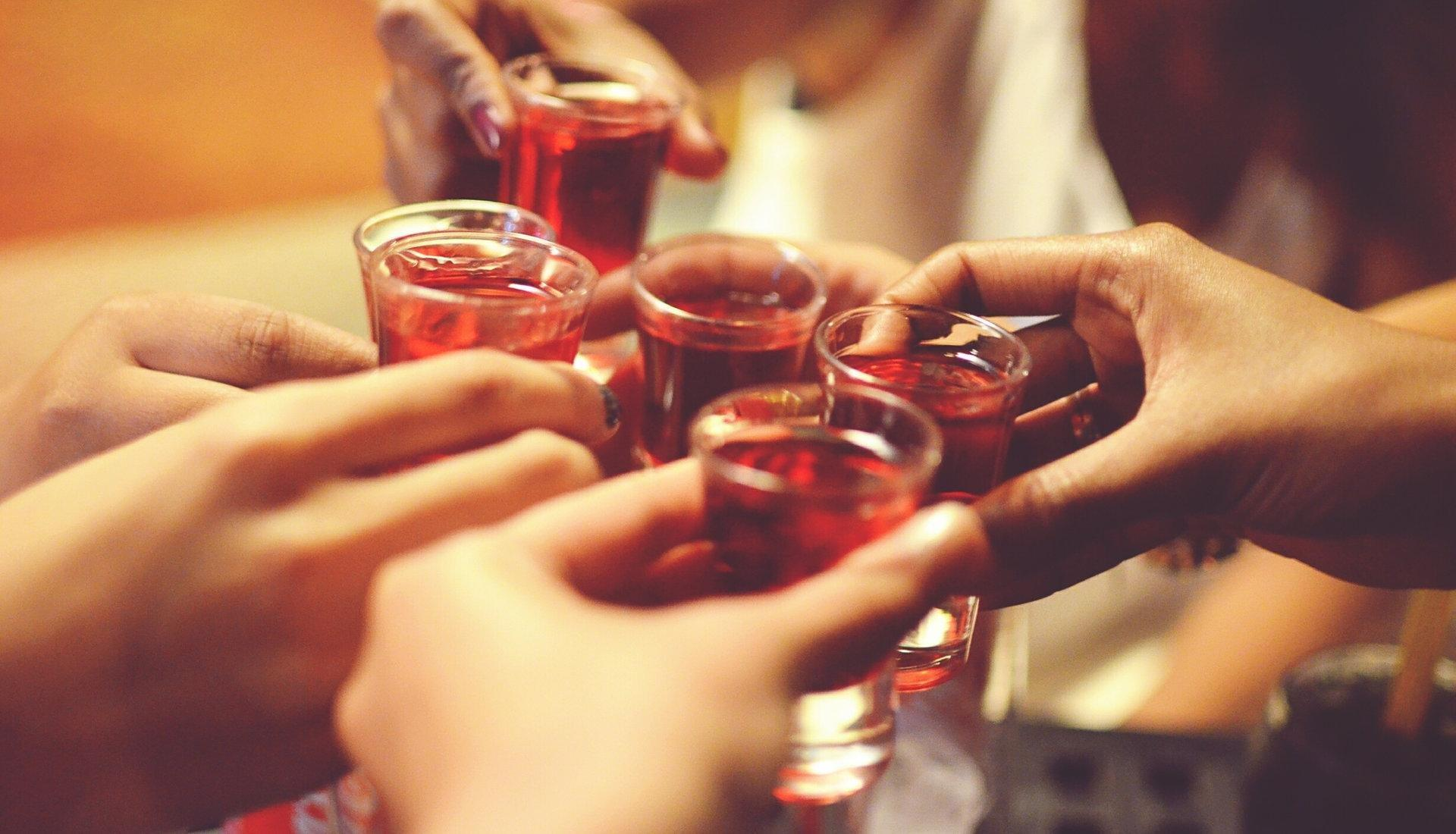 Alcohol Consumption Lowers Diabetes Risk — but Is Abstaining Bad for You?