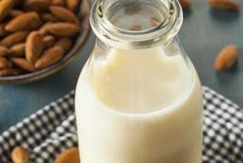 Can Unsweetened Almond Milk Help To Lower Blood Glucose?