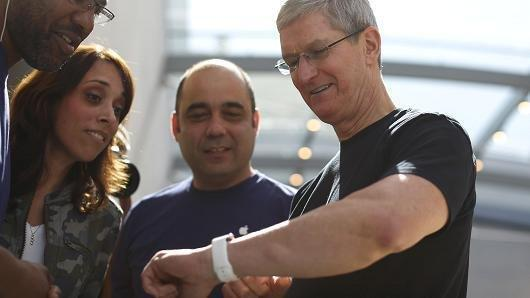 Apple Ceo Tim Cook Test-drove A Device That Tracks His Blood Sugar, Hinting At Apple's Interest In The Space