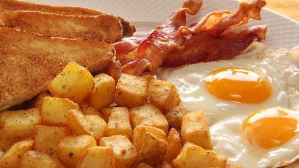 High-protein Breakfasts Could Help Maintain Blood Sugar Control