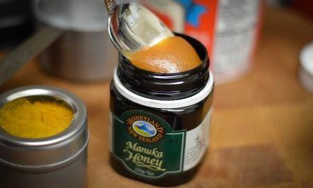 Using Manuka Honey As Medicine. Treat Diabetes, Inflammation and Cancer