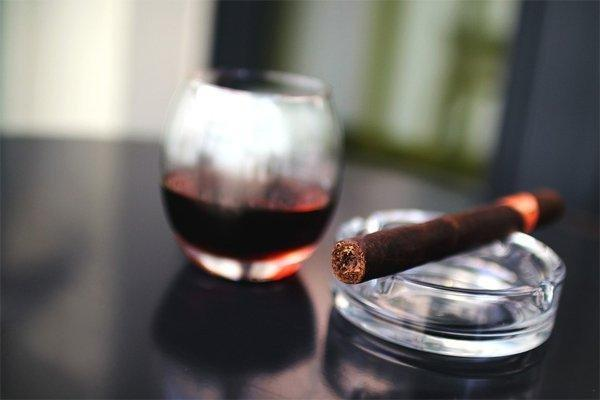Diabetes, Alcohol And Smoking: Is There A Connection?