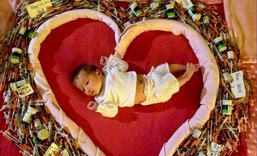I Get It: Woman With Type 1 Diabetes Encourages Other Diabetic Moms With Gripping Newborn Photo