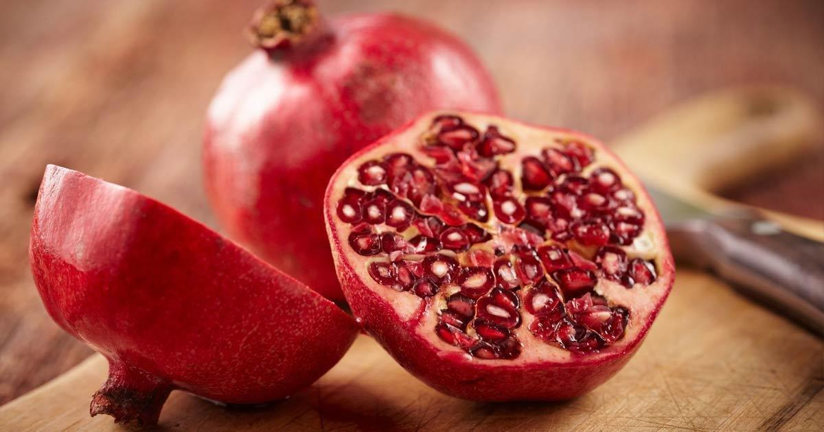 3 Reasons To Eat Pomegranates If You Have Diabetes