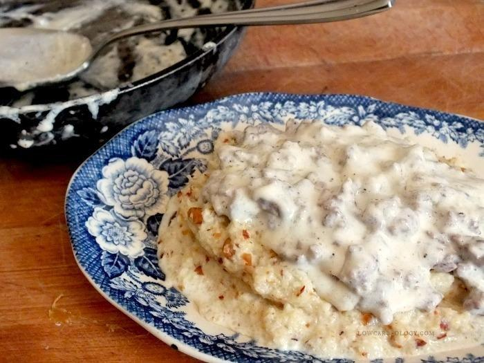 Low Carb Grits With Sawmill Gravy For Breakfast