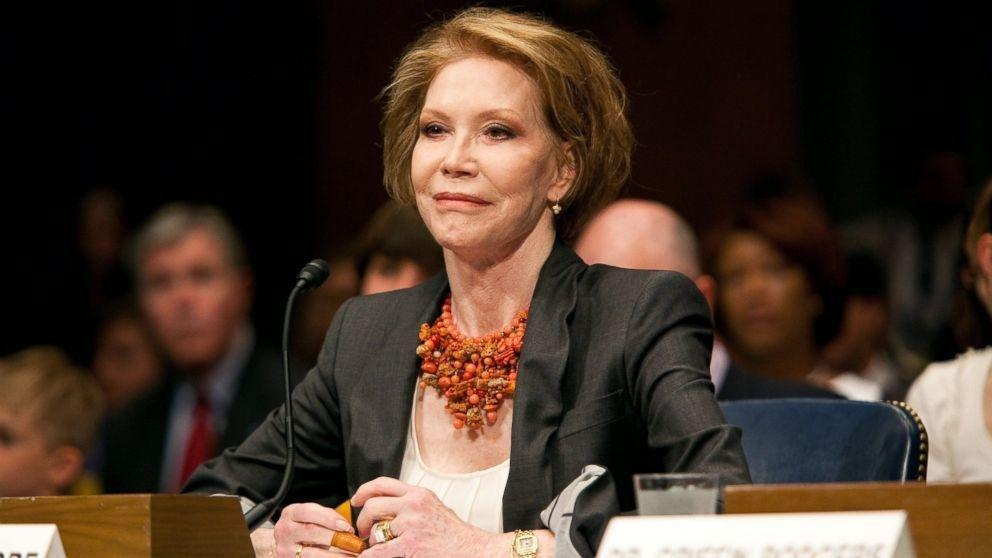 Mary Tyler Moore Proved Living Well With Type 1 Diabetes Is Possible