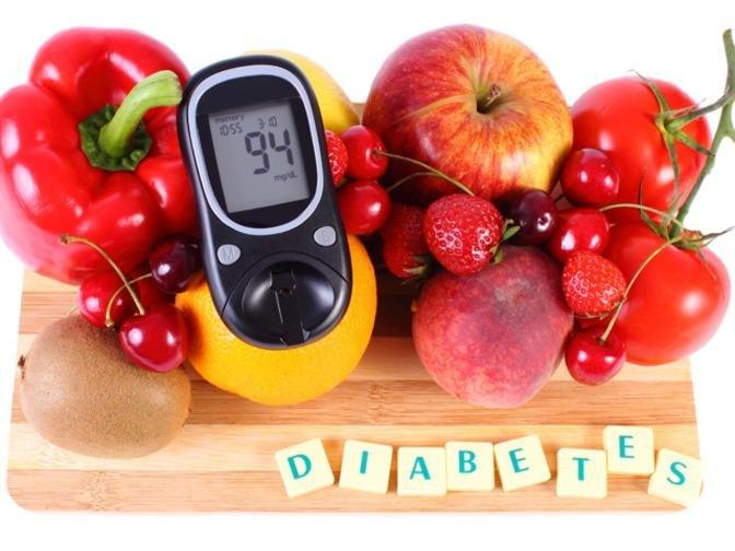 Diabetes Food Check: Eat Apples & Avocados, Junk Most Things White
