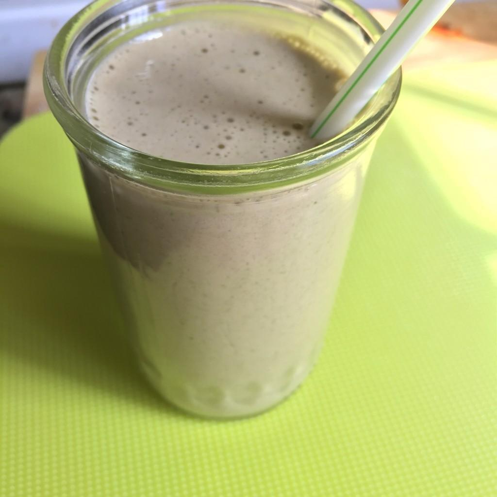 12 Low Carb Smoothies & Shakes With 5 Net Carbs Or Less