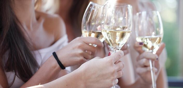 Pcos And Alcohol: Health Risks & Safe Drinking Tips