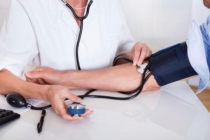 Can A Low-carb, Low-calorie Diet Cause Heart Palpitations & Low Blood Pressure?