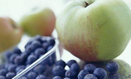 Blueberries, not fruit juice, cut type-2 diabetes risk