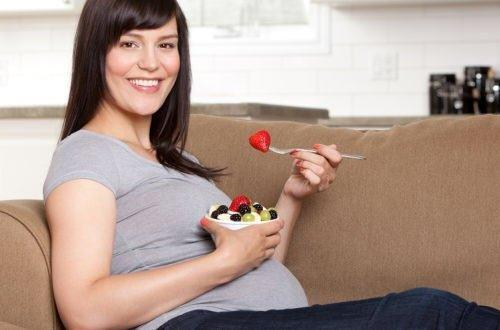 Does A Mother's Diet Affect Baby's Size? 6 Things You Need To Know