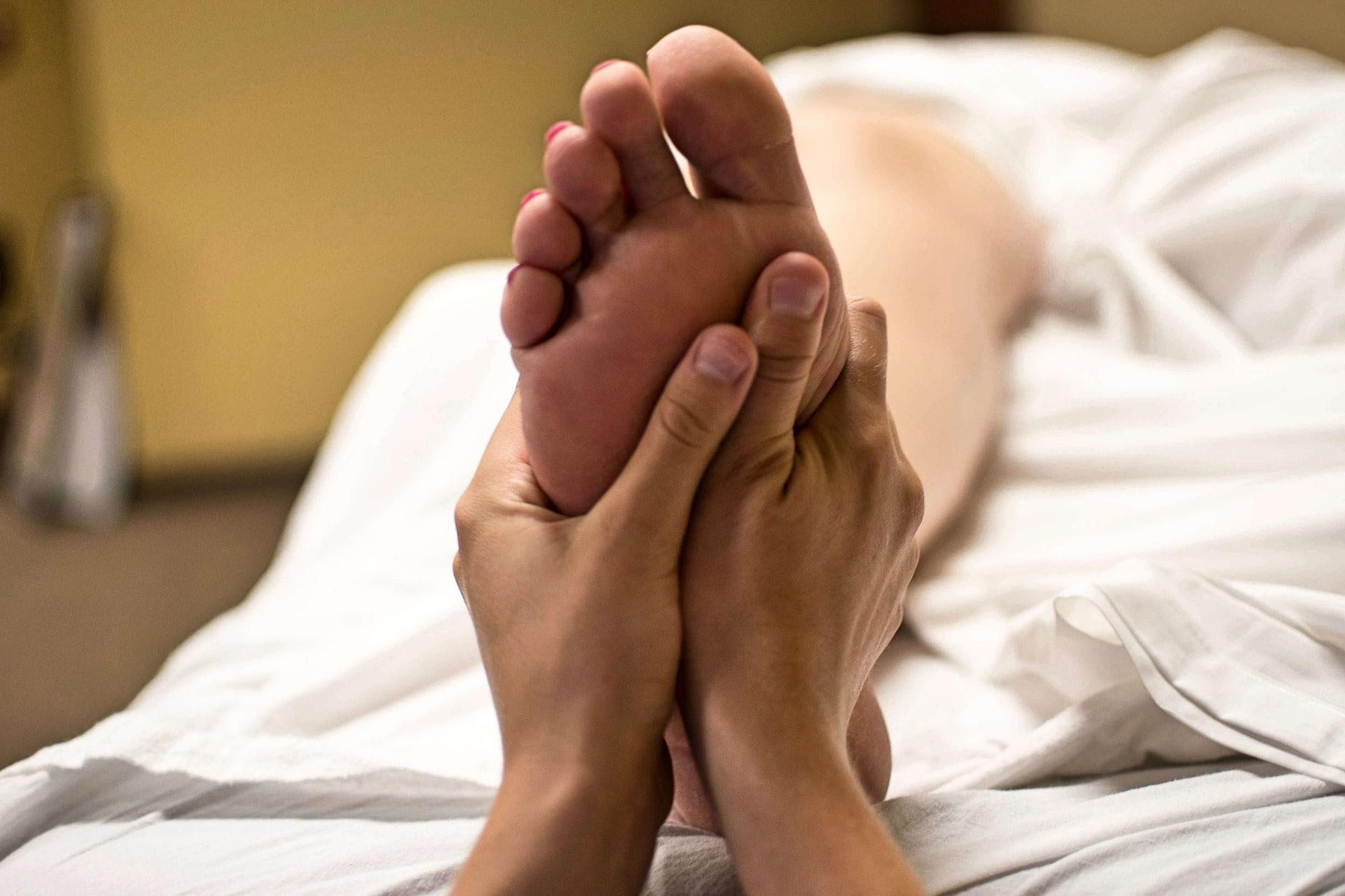 What Does Diabetic Nerve Pain Feel Like In The Feet?