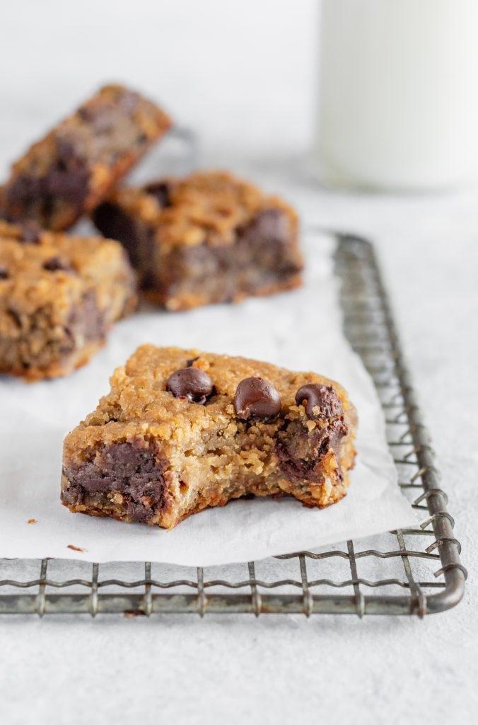 Flourless Chocolate Chip Chickpea Blondies {vegan, Gluten-free & Healthy}