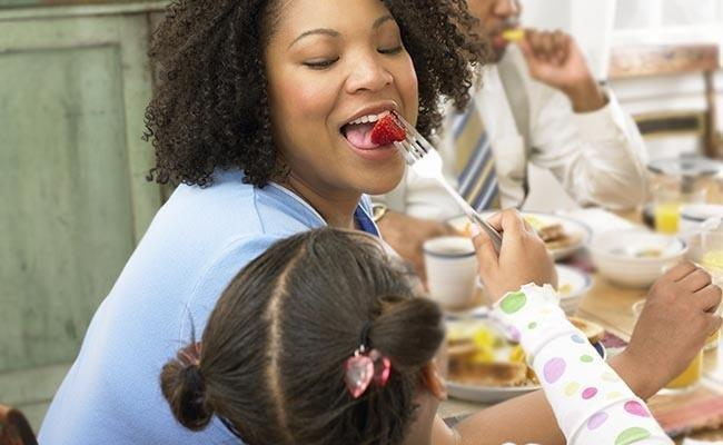 What Foods Help Control Blood Sugar?
