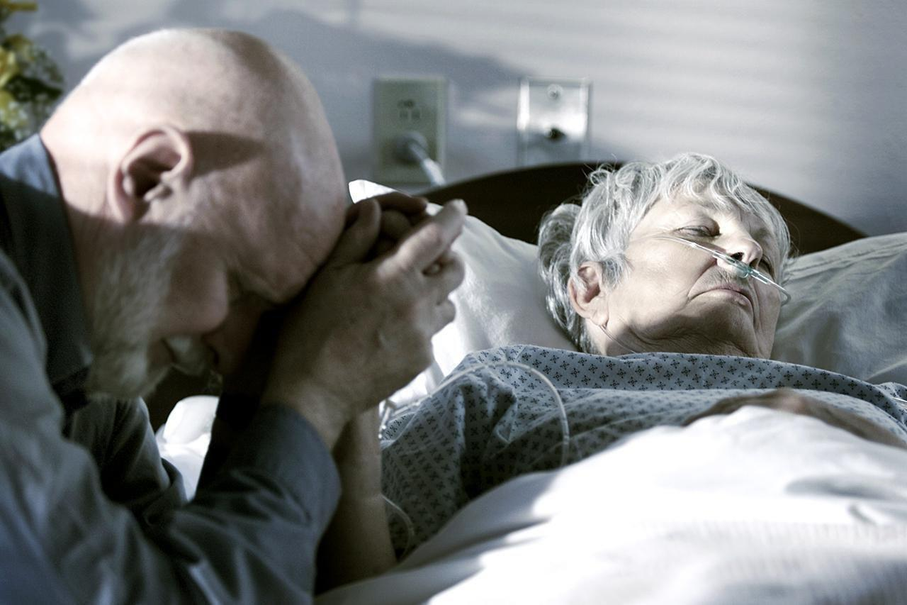 How To Recognize When Your Loved One Is Dying