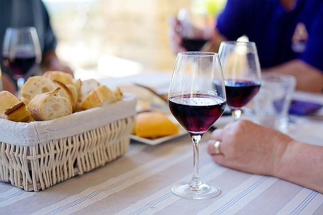 Metformin And Compound In Red Wine Have Anti-aging Effects, Study Finds
