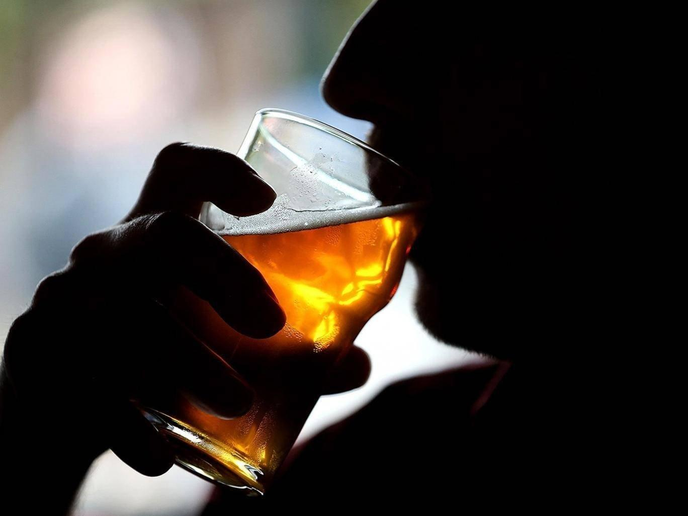 Drinking wine or beer up to four times a week can protect against diabetes, researchers say