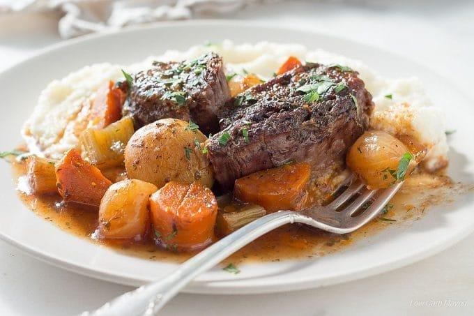 Classic Low Carb Pot Roast With Vegetables & Gravy