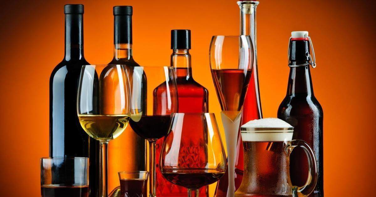 How Does Alcohol Affect Blood Sugar & Diabetes