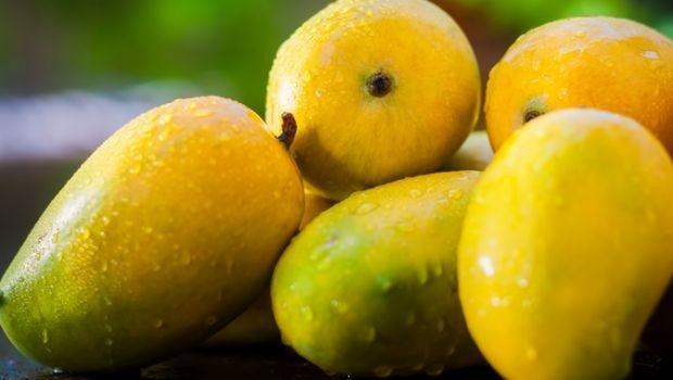 Is It Safe For Diabetics To Eat Mangoes? Experts Reveal