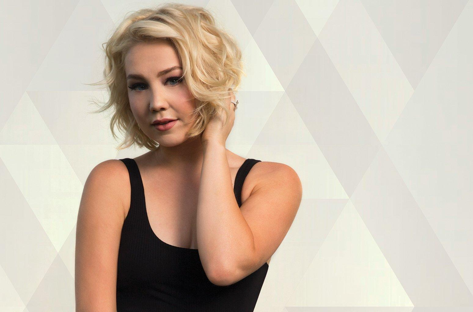 Despite Challenges, Raelynn, Eric Paslay And Other Stars Don't Let Type 1 Diabetes Limit Their Dreams
