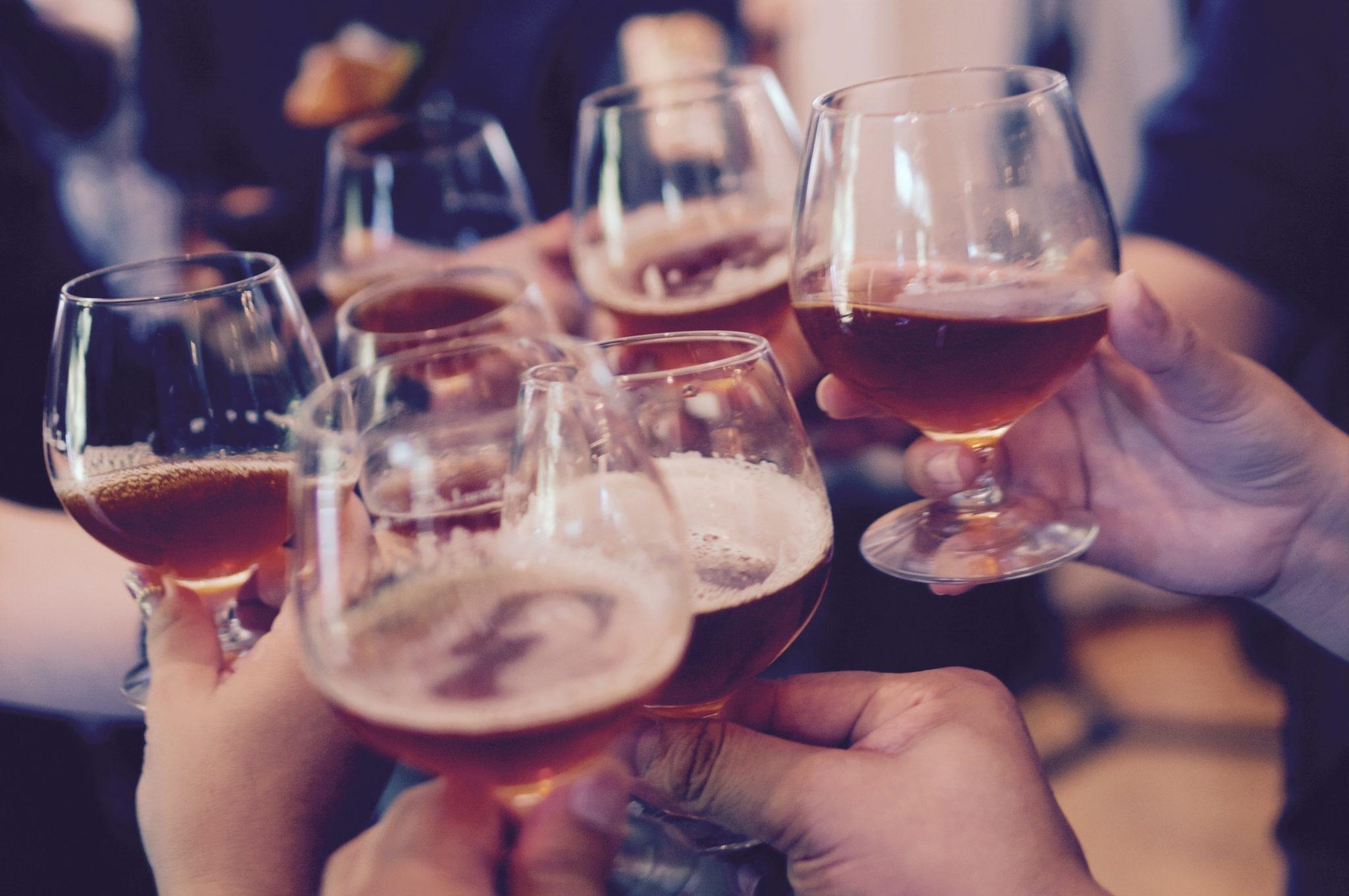 How Does A Cup Of Beer Or Glass Of Wine Affect Blood Sugar?